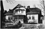 Dom Żórawskich opuściła latem 1889 r. Dławiące życie na prowincji podcinało jej skrzydła.