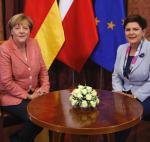 W sprawach unijnych Angela Merkel (na zdjęciu z Beatą Szydło podczas zeszłorocznej wizyty w Warszawie) jest gotowa na kompromisowe rozwiązania – twierdzą niemieccy dyplomaci.