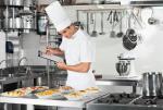 Na Podkarpaciu nie słabnie zapotrzebowanie na pracowników w gastronomii. Poszukiwanie są m.in. szefowie kuchni.