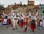 Na pieniądze obiecane przez MSWiA szczególnie niecierpliwie czekają niewielkie organizacje wspierające kulturę mniejszości narodowych. Na zdjęciu: ukraiński zespół na festiwalu folklorystycznym w Warszawie.