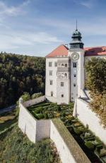 Pieskowa Skała jest atrakcją turystyczną nie tylko dla Małopolan i Ślązaków.