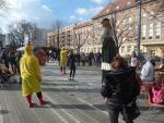 W ramach kampanii edukacyjnej związanej z programem Kawka organizowano festyny miejskie.