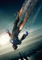Znany z narkotykowych ekscesów Robert Downey Jr idealnie odnalazł się w roli borykającego się z alkoholizmem Iron Mana, stając się kinową lokomotywą Marvela.