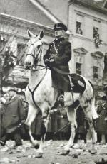 Miklós Horthy – węgierski polityk i wojskowy, regent Królestwa Węgier w latach 1920–1944.