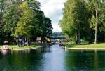 Kanał Augustowski jest zaliczany do światowych zabytków myśli technicznej. To także jeden z uznanych szlaków kajakowych regionu.