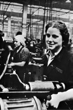 W 1944 r. w zmilitaryzowanych fabrykach radzieckich pracowały głównie kobiety.