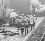Na autostradzie Polak nawet przy złej pogodzie upaja się prędkością (na zdjęciu styczniowy karambol na A1 z udziałem 63 pojazdów; ranne zostały 24 osoby).