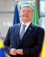 Prezydent Petro Poroszenko świętuje koniec długiego procesu ratyfikacji umowy o stowarzyszeniu z Unią.