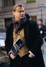 """Jego filmy o Batmanie pokazują poczucie gniewu i rozczarowania, które buzowało w społeczeństwach zachodnich od lat. Christopher Nolan na planie """"Mrocznego Rycerza"""", 2011 r."""