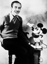 Od 1928 do 1947 r. Walt Disney podkładał głos pod uroczego, w pełni uczłowieczonego Mikiego, który miał cechy przeciętnego i poczciwego Amerykanina. Słynną Myszkę Miki narysował Ub Iwerks.