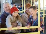 Darmowa komunikacja będzie dostępna w śląskich miastach nie tylko dla dzieci, ale również całych rodzin
