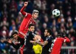 Robert Lewandowski strzelił PSG bramkę, ale to nie wystarczyło, by Bayern zajął pierwsze miejsce w grupie.