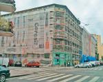 Siatki np. z logo firmy będą mogły pokrywać całe ściany budynków przez trzymiesięczny okres remontu, gdy stoi rusztowanie.