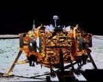 Chiński łazik Jadeitowy Królik, taki jak widoczny na zdjęciu, zbada ciemną stronę Księżyca.