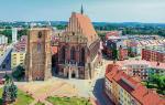 Monumentalna katedra w Nysie to obowiązkowe miejsce do zobaczenia przy okazji wizyty w mieście.