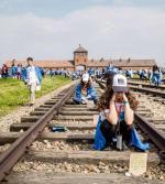 Żydzi domagają się nieustannego uznania wyjątkowości Holokaustu jako najtragiczniejszego wydarzenia w historii ludzkości. Na zdjęciu: Marsz Żywych w Auschwitz.