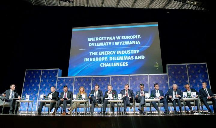 """Uczestnicy panelu """"Energetyka w Europie. Dylematy i wyzwania"""""""