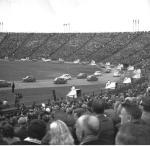 Przejazd maluchów 22 lipca 1979 r. na Stadionie Dziesięciolecia