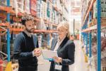<Sklepy internetowe ponoszą większe koszty związane  z magazynowaniem towarów  i logistyką