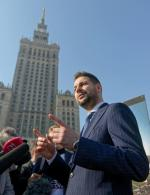 Sztab Patryka Jakiego zorganizował 24-godzinne spotkania  z wyborcami