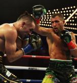 ≥Wasyl Łomaczenko (z prawej) w walce z Jose Pedrazą pokazał, że jest jednym z największych artystów ringu