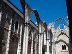 """Igreja do Carmo w Lizbonie (Portugalia) – """"trwała ruina    – pamiątka"""" wielkiego trzęsienia ziemi i tsunami z 1755 r."""