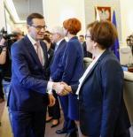 Mateusz Morawiecki  nie ujawnił w swoim zeznaniu wysokości pensji. Szefowa MEN Anna Zalewska zarobiła  w 2018 r.  o 75 tys. mniej niż rok wcześniej