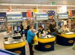 Według pomysłu senatorów  duże sklepy miałyby obowiązek przekazania niesprzedanej żywności organizacjom pozarządowym