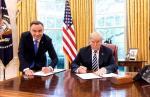 Zdjęcie prezydentów Donalda Trumpa i Andrzeja Dudy stało się symbolem polityki  podporządkowania Polski USA