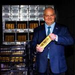 Prof. Adam Glapiński podał, że blisko połowa złota wchodzącego w skład oficjalnych aktywów rezerwowych Polski, czyli 105ton, znajduje się wskarbcach banku centralnego