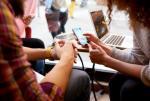Przelewami w bankowości mobilnej, które będą zatwierdzane biometrycznie, interesują się klienci różnych banków