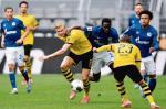 Erling Haaland (w środku) –  strzelec pierwszego gola po powrocie Bundesligi