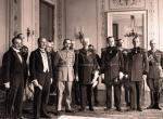 Wręczenie marszałkowi Polski Józefowi Piłsudskiemu w Belwederze Wielkiej Wstęgi Orderu Maltańskiego przez delegację polskich kawalerów maltańskich, Warszawa, 22 lutego 1930 r.