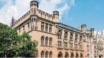 Takich perłek jak gmach Starej Giełdy we Wrocławiu w zasobach AMW jest już  coraz mniej