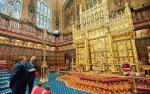 Tron królewski w sali posiedzeń Izby Lordów
