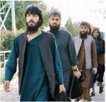 Uwolnieni przez rząd w Kabulu bojownicy opuszczają więzienie