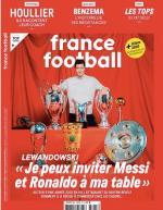 Robert Lewandowski na okładce francuskiego tygodnika: – Mogę zaprosić Messiego  i Ronaldo  do mojego stołu