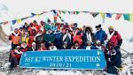 Święto w bazie po zimowym wejściu Szerpów na szczyt K2
