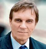 Wojciech Stando, kierownik londyńskiego biura