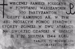 """Tablica  na murze kościoła  św. Marii Magdaleny na warszawskim Wawrzyszewie upamiętniająca żołnierzy Grupy """"Kampinos"""""""