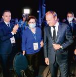 Donald Tusk powinien się zdecydować na zbudowanie drużyny zamiast dworu. Na zdjęciu:  lider PO z Ewą Kopacz, Cezarym Tomczykiem (z lewej) i Rafałem Trzaskowskim (z prawej)