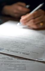 Oświadczenie o rozwiązaniu umowy można złożyć pracownikom w okresie poprzedzającym nabycie świadczenia przedemerytalnego