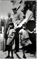 Józef Piłsudski z córkami w Druskiennikach. 1924 rok