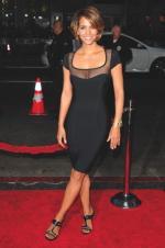 Styl amerykańskich gwiazd filmowych – Halle Berry, Sandry Bullock oraz Nicole Kidman – kształtuje Philip Bloch.