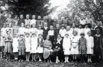 Osada Teklówka, dzieci osadników i miejscowych, uczęszczających razem do miejscowej szkoły powszechnej
