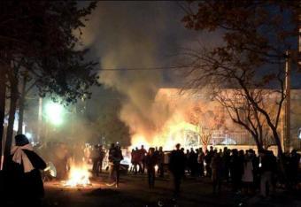 Brutalne rozruchy w Teheranie: derwisze przeciw policji