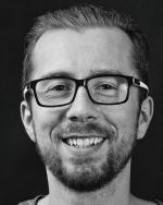 Marcin Treder, filozof, psycholog, założyciel spółki UXPin zajmującej się projektowaniem aplikacji internetowych imobilnych oraz dokumentowaniem całego procesu projektowego.