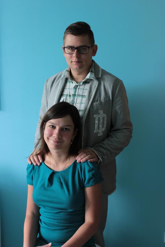 Olga Bugaj i Marcin Fedro. Pierwsze meble zrobili dla babci, która na początku nie wierzyła w powodzenie ich planu.