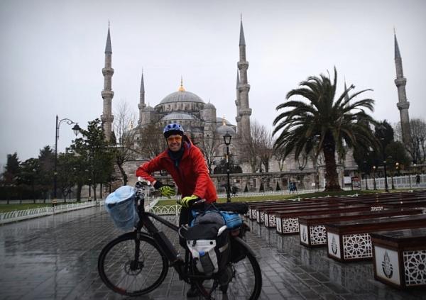 Elektrycznym rowerem na Jedwabnym Szlaku: W zaśnieżonych górach Anatolii
