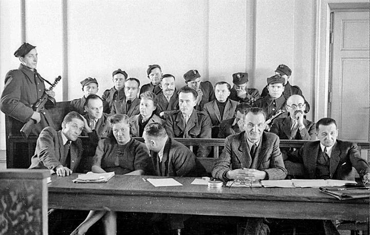 słynny stalinowski proces tzw. grupy Witolda Pileckiego, żołnierza Armii Krajowej - rok 1949